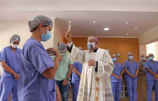 Primeiro hospital de campanha para Covid-19 do Sertão é aberto em ...