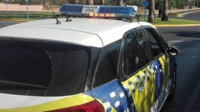 Un coche patrulla de la Policía Local de Mairena del Aljarafe.