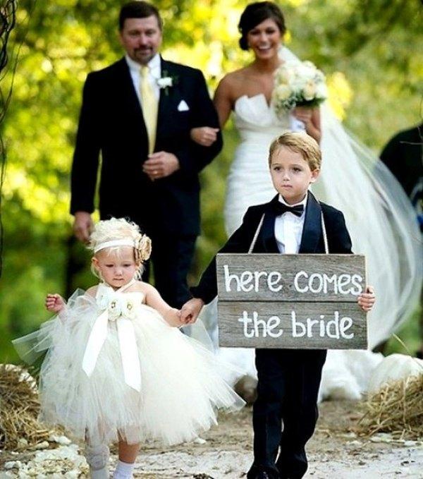 los niños en la boda