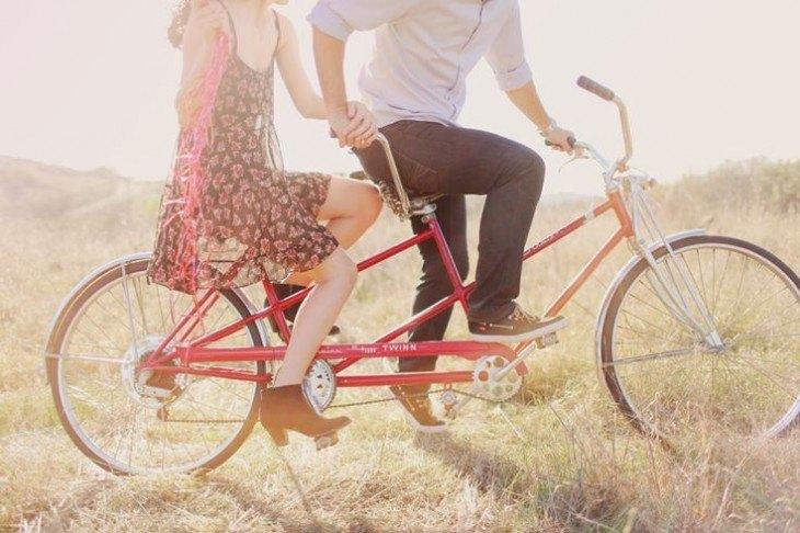 pre boda inspirada en San Valentin bici tandem