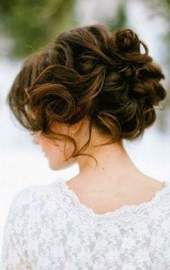 Peinados para bodas desenfadados para invitadas y novias (1)