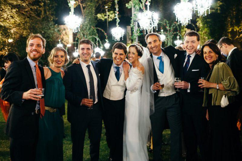 la boda de elo y pedro en una bodega