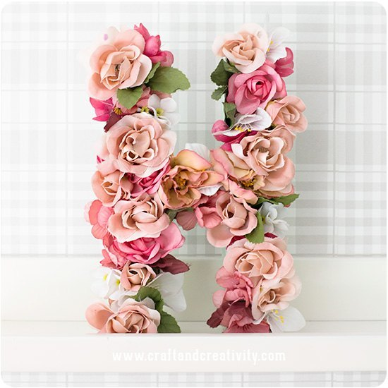 como hacer letras de carton con flores diy