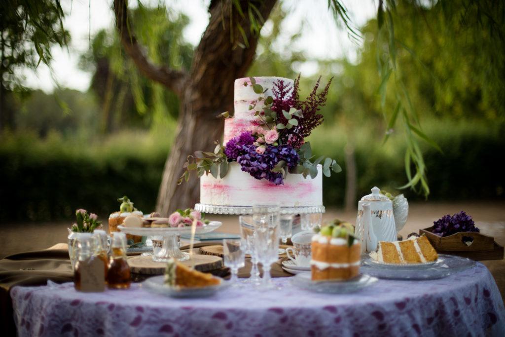 tartas para bodas: Alicia en el país de las maravillas (Aquarela Cakes)