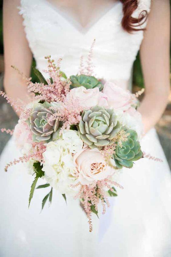 ramo de novia con suculentas medianas