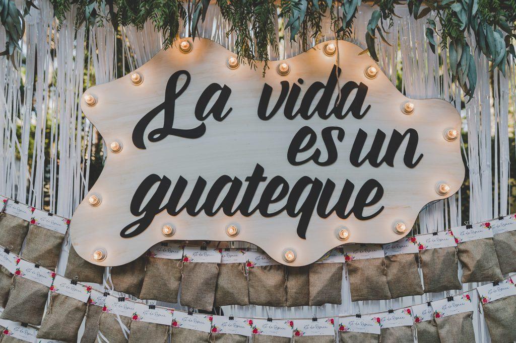 boda de raquel y tana con mascota 21 - La Vida es un Guateque