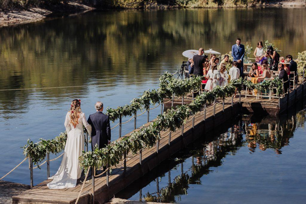 boda en un embarcadero