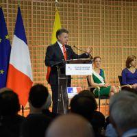 Las Farc dejan de existir hoy anunció Juan Manuel Santos en París