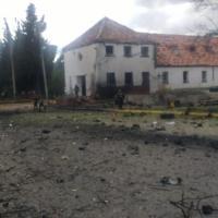 Al menos 10 muertos y 11 heridos en atentado con carro bomba en el sur de Botogá