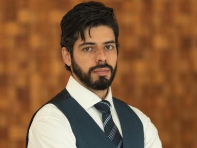 André Costa é entrevistador forense e advogado