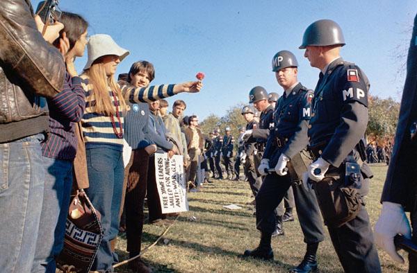 Uma hora a sociedade americana não aguentou mais a Guerra do Vietnã
