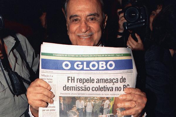 Roberto Marinho celebra um feito do companheiro FHC