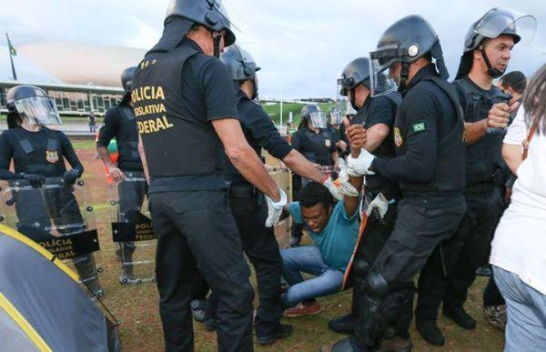 """Fernando Holiday, do MBL, recebe da PM o tratamento """"vitimista"""""""