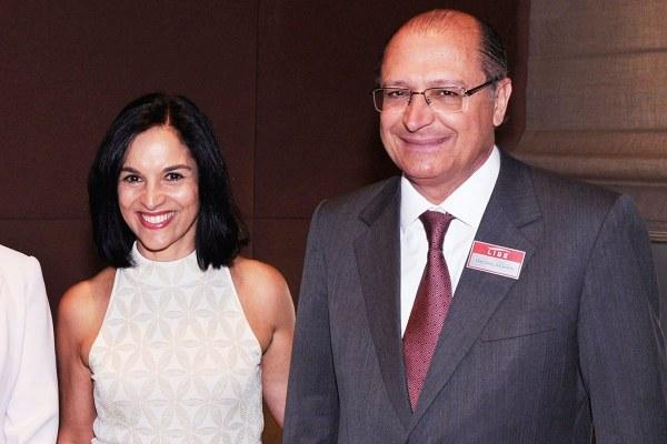 """O casal Alckmin: para o povo de Pinda, """"Geraldinho"""""""