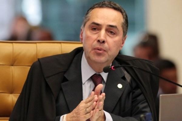 Ele não pode se omitir: Barroso