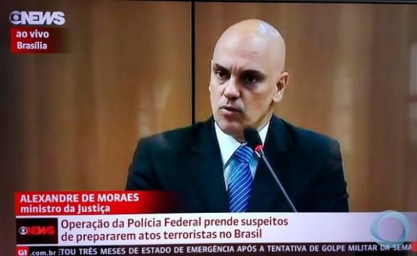 O ministro da Justiça anuncia o resultado da Operação Hashtag