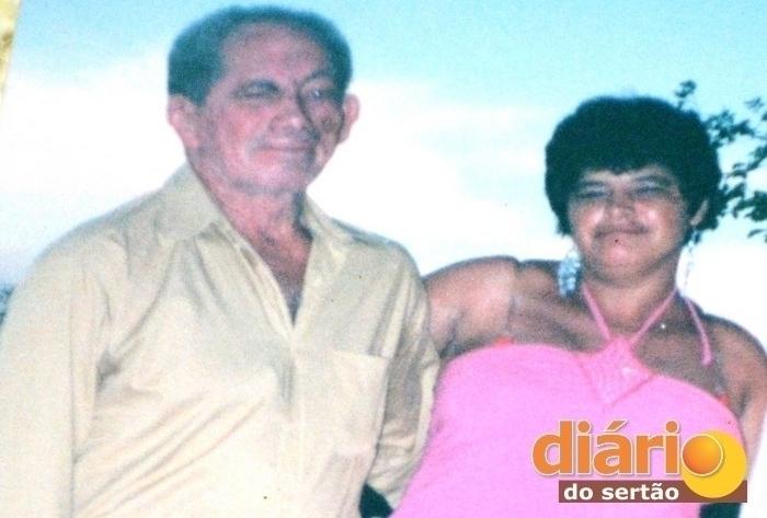 video  hom243 - CASO MACABRO EM CAJAZEIRAS: Filha ao vê o pai morto pede a Deus pra ir com ele e cinco minutos depois morre.