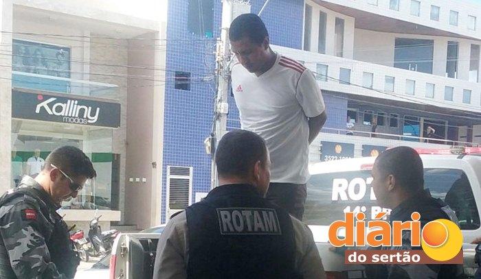 Acusados foram presos após o assalto (foto: reprodução/WhatsApp)