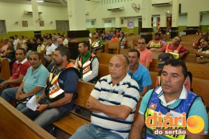 Missa na igreja São João Bosco reuniu mototaxistas, políticos, gestores públicos e imprensa
