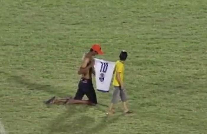 Torcedor pagou promessa após o jogo do Atlético em Cajazeiras