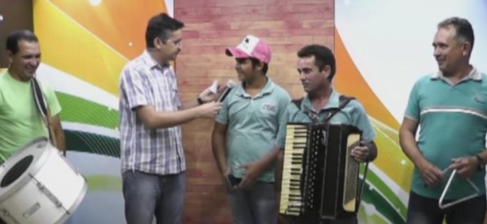 Grupo de forró da cidade de Cajazeiras deixa contato para agendamento de shows