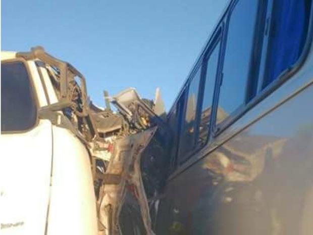 Acidente entre caminhão e ônibus em Sobral deixou quatro mortos (Foto: Arquivo pessoal)