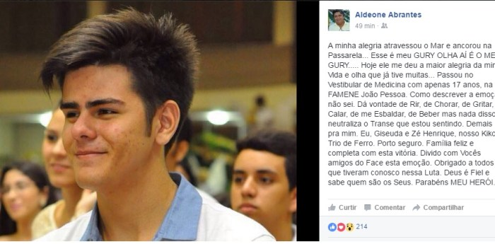 Aldeone Abrantes publicou em seu facebook a aprovação de seu filho em medicina (Foto: Facebook)