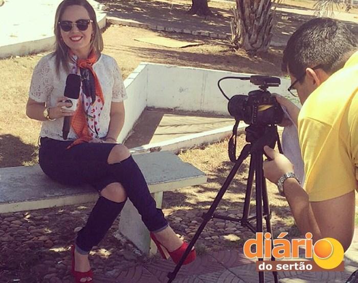 Entrevista com a blogueira Camila Dias (foto: Diário do Sertão)