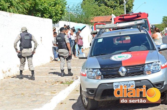Menor foi esfaqueado por colega dentro de escola em Sousa (foto: DS)