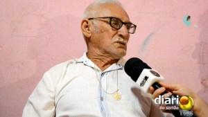 Seu Zé Cândido, rezador há 40 anos