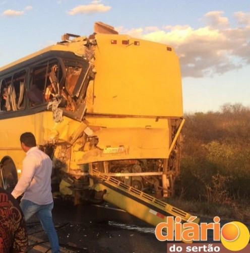 Acidente matou um deixou 67 feridos no Sertão da Paraíba