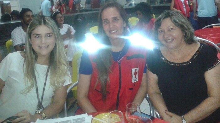 Fátima Sarmento ao lado da diretora do hospital Apoliana e a secretária de saúde da PB, Roberta Abath