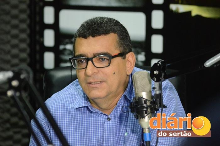 Prefeito de Aparecida foi entrevistado na TV Diário do Sertão (foto: Paulo Ramon)