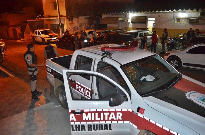 Polícia Militar esteve no local do crime (foto: Ângelo Lima)