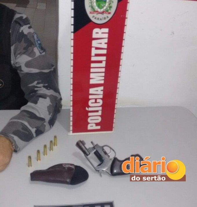 PM apreende duas armas de fogo em Sousa (Foto: Diário do Sertão)