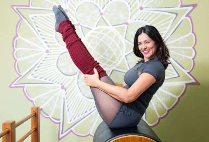 © Fornecido por Abril Comunicações S.A. Em seu estúdio de pilates: dieta depois da gravidez (Foto: Leo Martins)