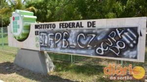 Faixa anunciando a ocupação no IFPB-CZ