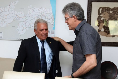 Ricardo Coutinho recebe prefeito eleito de Cajazeiras nesta quinta-feira