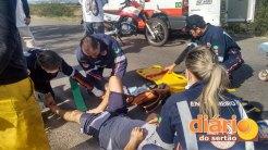 SAMU realizando atendimento no local do acidente (foto: Charley Garrido)