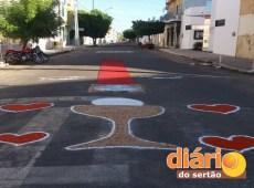 Tapetes enfeitaram as ruas da cidade