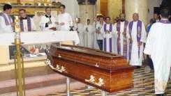 Últimas homenagens ao padre Raymundo (foto: DS)