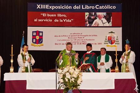 Mons. Aguer en la misa de clausura de la XIII Exposición del Libro Católico (foto: AICA).