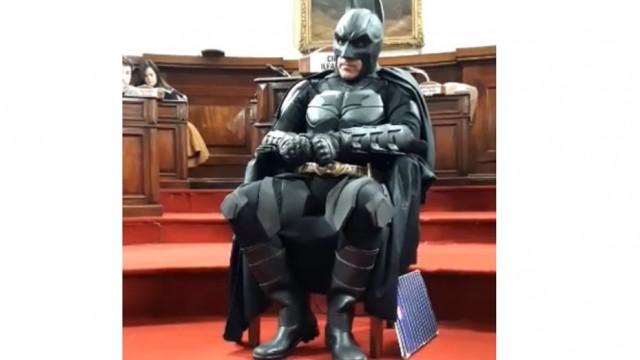 batman-solidario-2