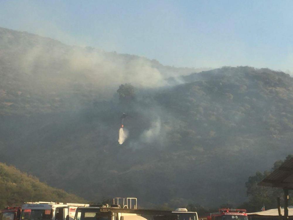 Declaran Alerta Roja por incendio forestal en Limache y Villa Alemana