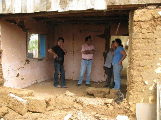 Visitando los sectores rurales tras el terremoto de 2010.