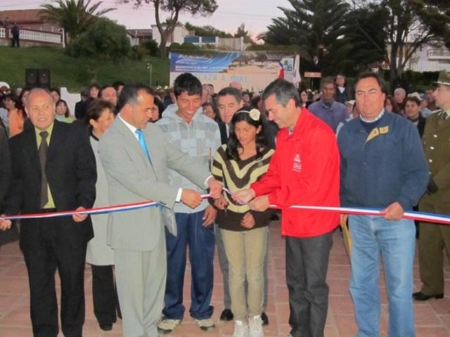 Inauguración de una remodelada Plaza Prat, en noviembre de 2011.