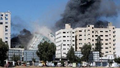 Photo of Israel bombardea el edificio que alberga los medios internacionales AP y Al Jazeera en Gaza
