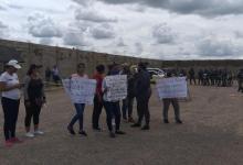 Photo of Familiares de 19 imputados por supuesto tráfico de material estratégico exigen su libertad