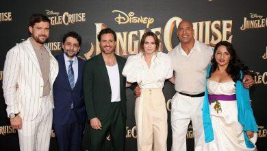 Photo of Édgar Ramírez brilló en la alfombra roja de Jungle Cruise junto a Emily Blunt y La Roca