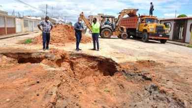 Photo of Alcaldía atiende socavación en las calles 17 y 5ta Norte